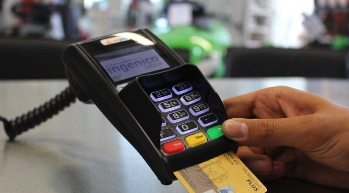 Jak wpłacać pieniądze do bukmachera?